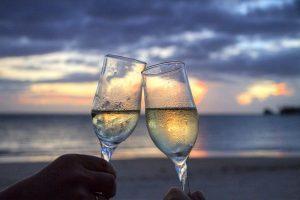 Brinde-praia-champagne